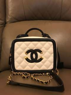 🔥🔥Chanel style Vanity Case/chain bag