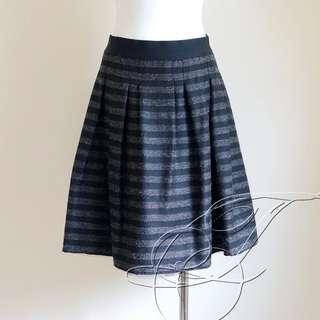🚚 U're 黑X鐵灰 毛料 銀蔥 網紗 及膝裙 澎澎裙 日本版型一比一製造 喜歡M'S GRACY可參考 (217)