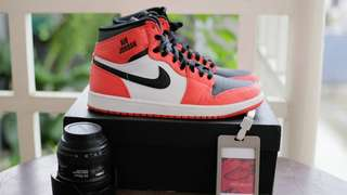 Air Jordan 1 Rare Air Mid orange