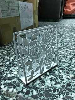 🚚 Ikea簍空花朵圖案餐巾紙架