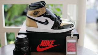 Air Jordan 1 Retro Hi Gold Toe