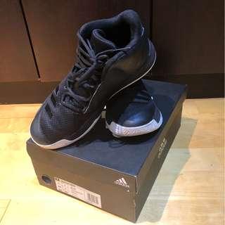 運動鞋-籃球鞋:Outrival