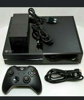Xbox One 1TB with controller mint