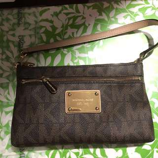 Authentic Michael Kors Signature Jet Set Large Wristlet/Clutch