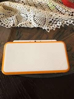 Nintendo 2DS XL Orange-white
