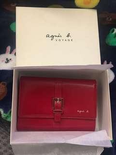 Agnes b. VOYAGE wallet