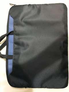 15' TUCANO Laptop Bag