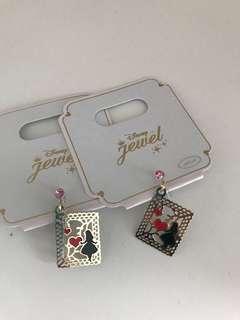 Alice In Wonderland Clip-on earrings