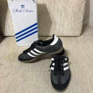 Adidas Samba Sleek series