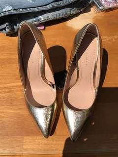 Gold Zara heels 36 size