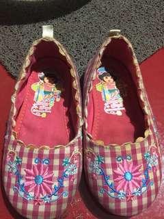 Dora flat shoes