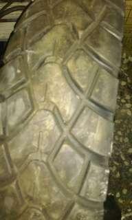 建大二手 機車 輪胎很新13070-17