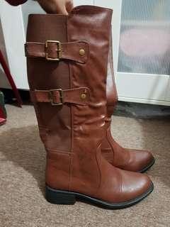 Brand new NOVO boots