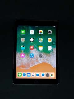 iPad Pro 9.7 32GB Wi-Fi+Cellular Space Gray