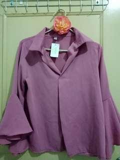 🚚 粉色喇叭袖襯衫