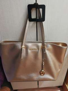 Michael Kors Atlantic golden color
