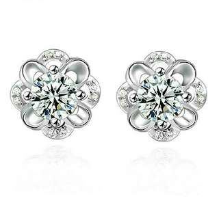 925 Sterling Silver Hollow Flower Earrings