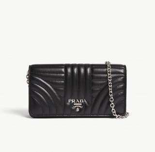 ⚡️限時扺價$5999 (原價$6799)⚡️Prada 黑色 chain wallet (OL恩物)