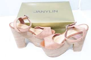 Janylyn wedge