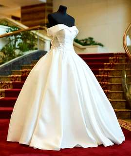 1 For 1: Wedding Gown (worn once) Free dinner gown (new).