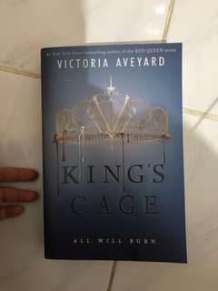 Victoria Aveyard - King's Cage ( RED QUEEN SERIES ) preloved