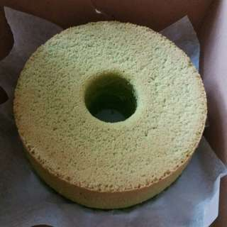 7吋斑蘭雪芳蛋糕 新鮮斑蘭葉製造 香噴噴 軟熟 7 inch pandan chiffon MOIST AROMATIC SOFT cake made with fresh pandan leaves
