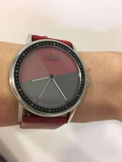 Noon Copenhagen Fashion 38RD polish siler WR dial Leather Red 💯real 😊👍❤️原價$562。