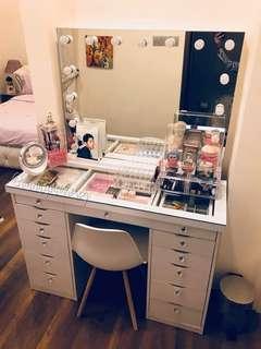 Glam Vanity Set
