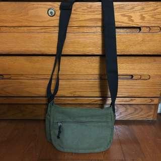 綠色大容量帆布小包包