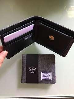 Herschel銀包全卡位$220