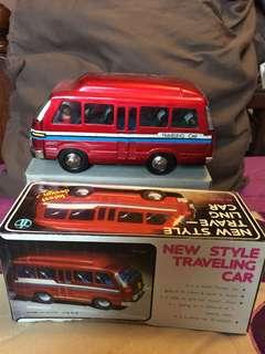 Traveling car tin toys