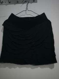 Black paddle skirt
