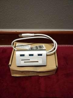 USB 3.0 Hub with Card Reader