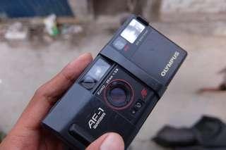 Kamera analog Olympus af 1 anti hujan