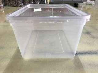 🚚 塑膠盒附蓋子