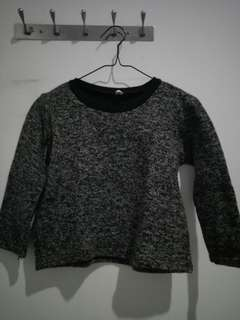 Black n white wool tops