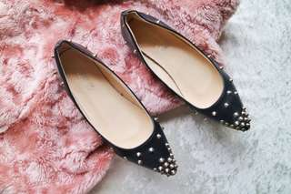 ⚡PRELOVED⚡Studded Pointed Flats