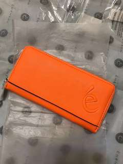 Metal Zipper Around Long Wallet