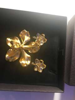 Risis brooch and earrings set from Singapore