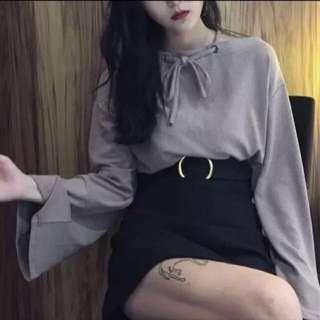 [new] ribbon greyish khaki top