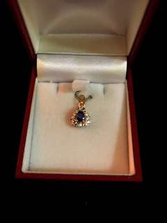Vintage Beautiful Royal Blue Sapphire Center with Diamonds >14-18k Pure Gold Pendant - Preloved Piece. Sparkles Brilliantly!