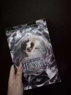 The Jewel & The White Rose