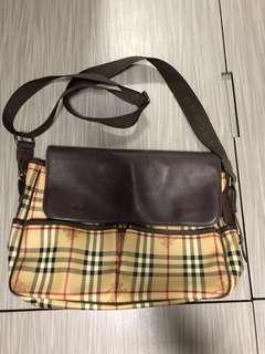 Burberry Message Bag Shoulder Bag Gucci Prana Dior givency