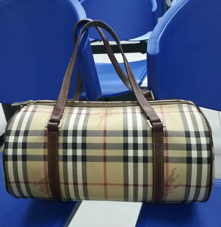 377c5b68d37 BURBERRY PAPILLON on Carousell