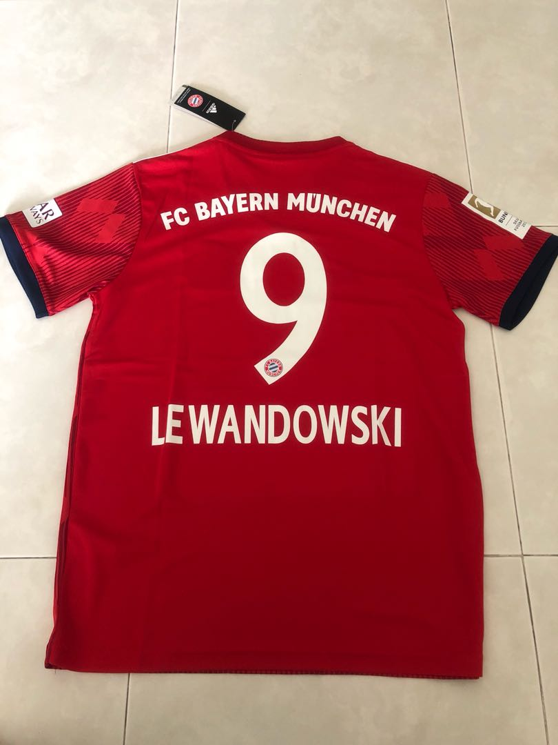 f1c22cb8c18 New Season 18 19 Bayern Munich Home Kit Jersey M size Lewandowski 9 ...