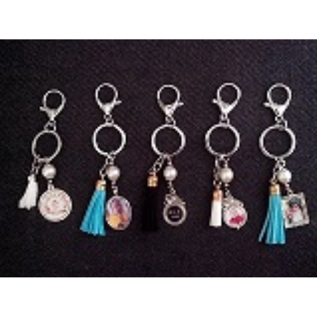 Personalized Tassle keychain with charms Souvenirs wedding baptismal ... 7172bd2fa5