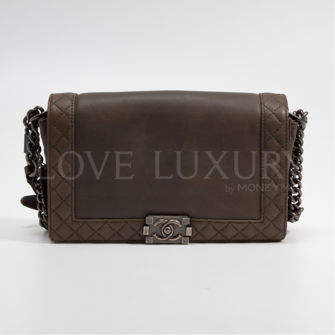 1ea75ad344197b Preowned Chanel, Boy Chanel - 18939242 (COB0001395), Luxury, Bags ...