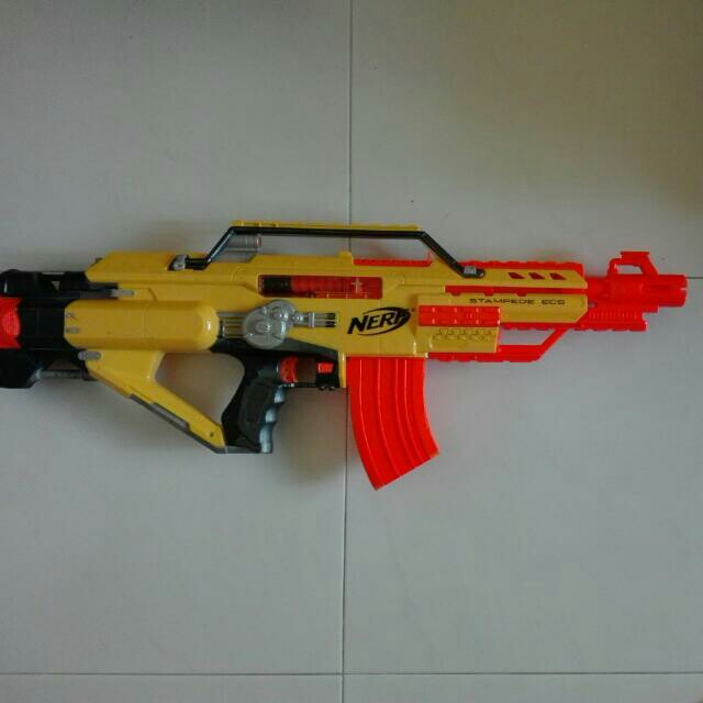 Reserved Fri Luc Used Nerf Stampede With 10 Dart Banana Clip Toy Gun