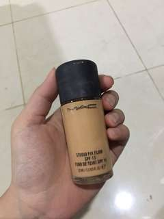 MAC studio fix fluid foundation shade NC35