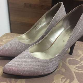 🚚 達芙妮 閃亮高跟鞋